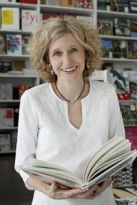 Michaela Schwermann: Autorin von mehrsprachigen Kinderbüchern mit Kinderliedern, Reimen und Spielen