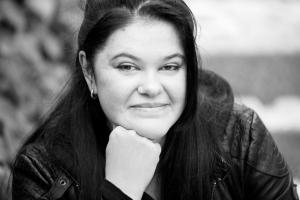Barbara Korthues: Illustratorin zweisprachiger Kinderbücher, SchauHoer Verlag